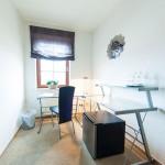 Apartment mit Arbeitstisch in Mahlsdorf