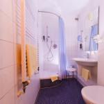 Einzelzimmer mit modernen Dusche
